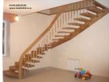 Деревянная лестница на больцах. Индивидуальные проекты
