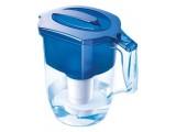 Фильтр-кувшин для воды Аквафор. Удаляет хлор, фенол, тяжелые металлы, пестициды. Объем очищенной воды 2 литра.