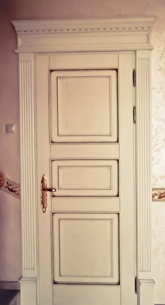Двери межкомнатные Цезарь из массива дуба белорусские