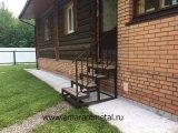Приставное крыльцо на металлокаркасе, прочная конструкция к дому