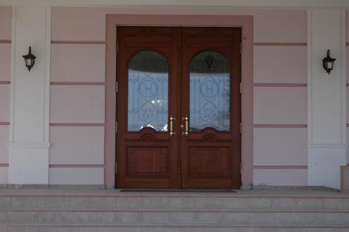 дубовые входные двери под заказ